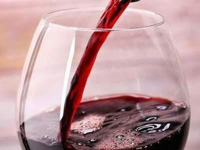 Красное вино: повышает или понижает давление фото